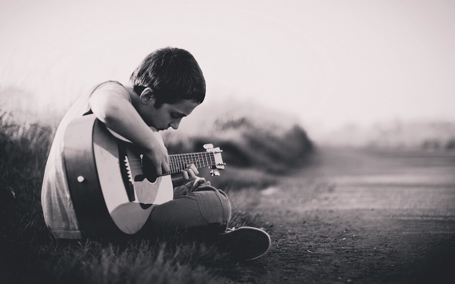 ギターのコードチェンジがうまくできない原因と対処法【本質を語る】