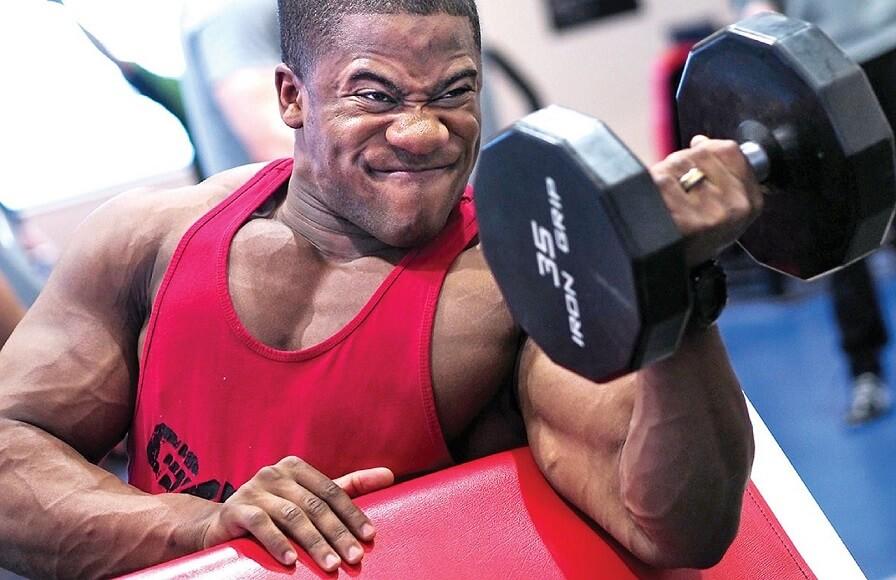 筋トレで「効かせたい筋肉」を意識する感覚を掴む2つの方法