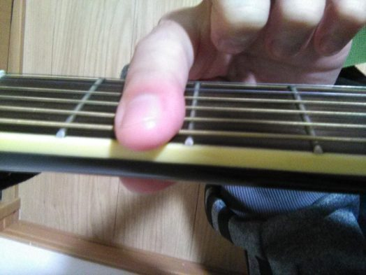 全ての弦を押さえてもOK
