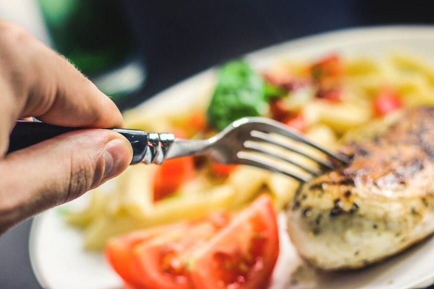 健康的で効率よく太れる食べ物5選【ガリガリで悩んでいる人向け】